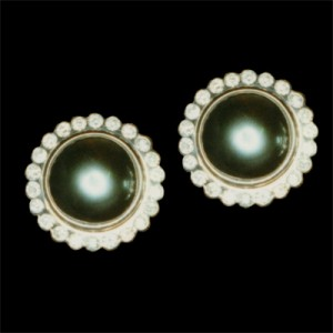 31 Pearl dia earrings