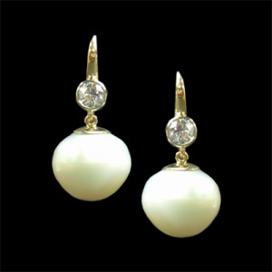 34 pearl dia earrings