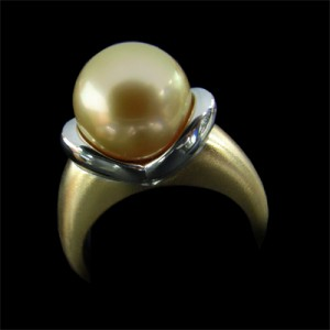 38 Pearl ring